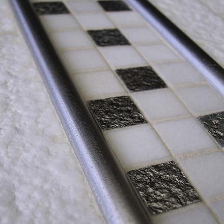 COMP SK 0209 / TORELLO / KA KT 1020 Mosaic cm 2,2 x 2,2 / Mosaic cm 1,5 x 30,5 / Mosaic cm 5 x 20 - 10 x 20 Marble Thassos / Decor Siver / Marble Thassos